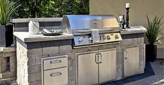 3 Popular Outdoor Kitchen Design Layouts Sure to Please