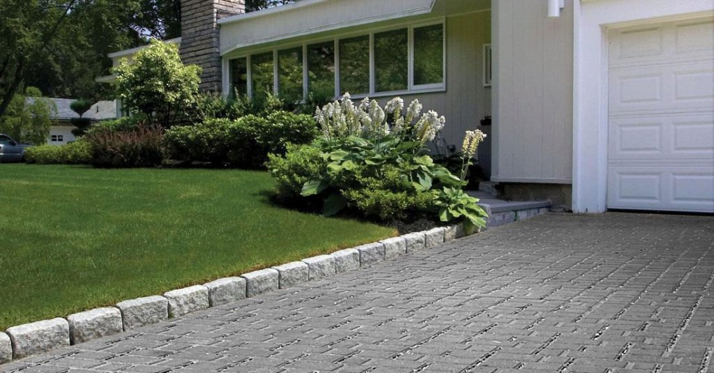 <p>An environmentally friendly paver engineered for demanding industrial conditions.</p>