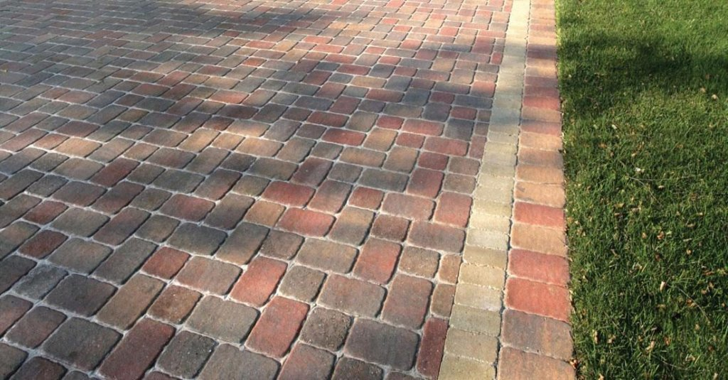 <p>If you want a cobblestone look with a slight variation, you'll appreciate Camelot. Each paver in this multi-paver system is slightly rounder than your typical cobblestone-style paver. </p>