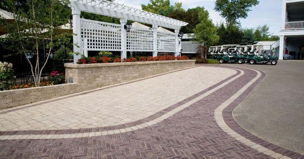 <p>Reminiscent of the brick pavers used in old European cities, towns and villages, Copthorne is a virtually indestructible paver that will not split, crack or fade.</p>