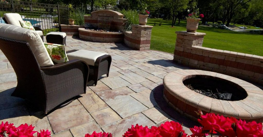 <p>Rivenstone combines the durability of concrete with the character and flexibility of natural stone.</p>